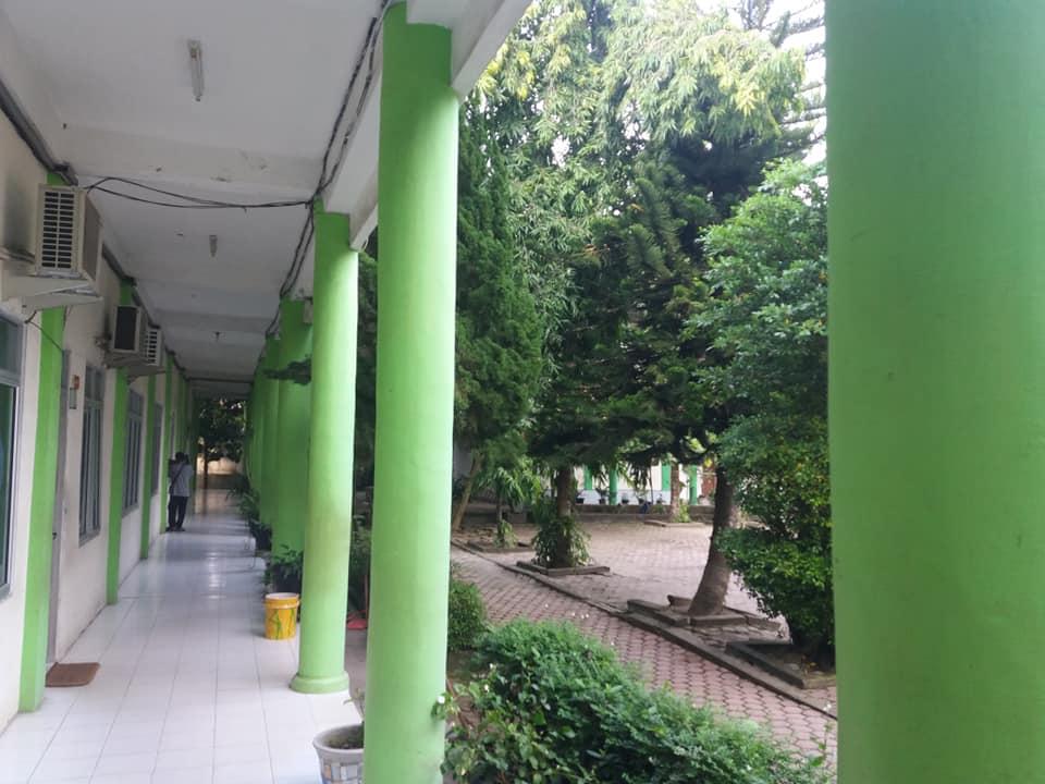 Teras Ruang Kantor Guru